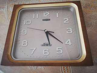 1960's Manix electric clock coverted to Quartz sweep movement
