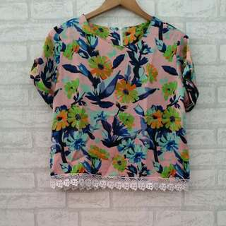 Blouse Wanita Crop Top