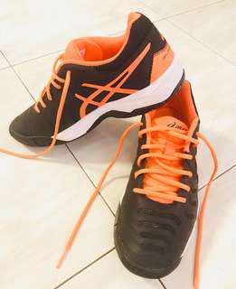 Asícs Tennis shoes