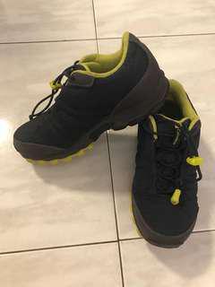 Columbia trekking kids shoes