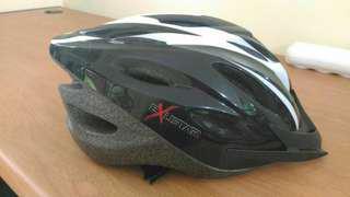 Helm Sepeda Exustar