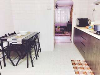CHEAP RENOVATED 3RM NEAR MRT
