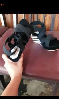 Wedges black and white