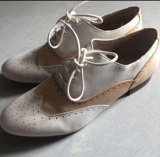 Clarks 女裝 紳士鞋 英倫鞋 36碼至37碼合穿 全新