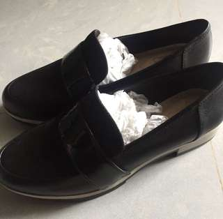 Clarks 女裝 皮鞋 紳士鞋 37碼 全新
