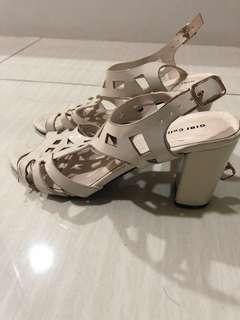 Gibi Sandals