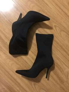Stiletto heel pointed sock boot