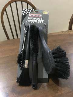 FinishLine Mechanic's Brush Set