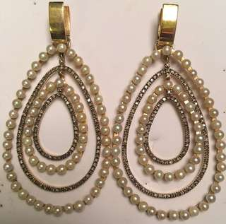 Earrings with gold , brown diamond and pearls