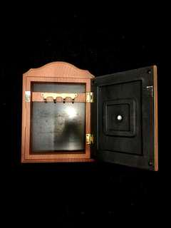 Key Holder Clock Frame