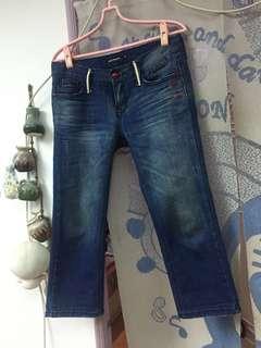 🚚 韓國品牌七分牛仔褲👖