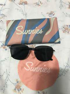 Sunnies Aiko black
