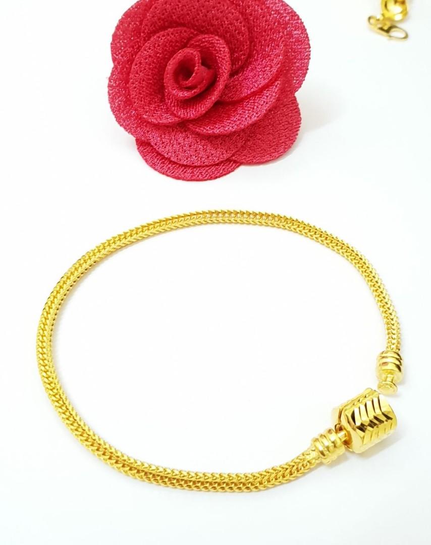 57b31ab0d 916 Gold Pandora Bracelet, Women's Fashion, Jewellery, Bracelets on ...