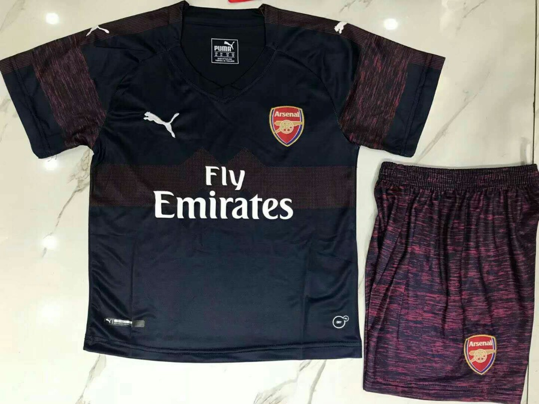 396ca4566cb Arsenal 18-19 Kids Away Kit, Sports, Sports Apparel on Carousell