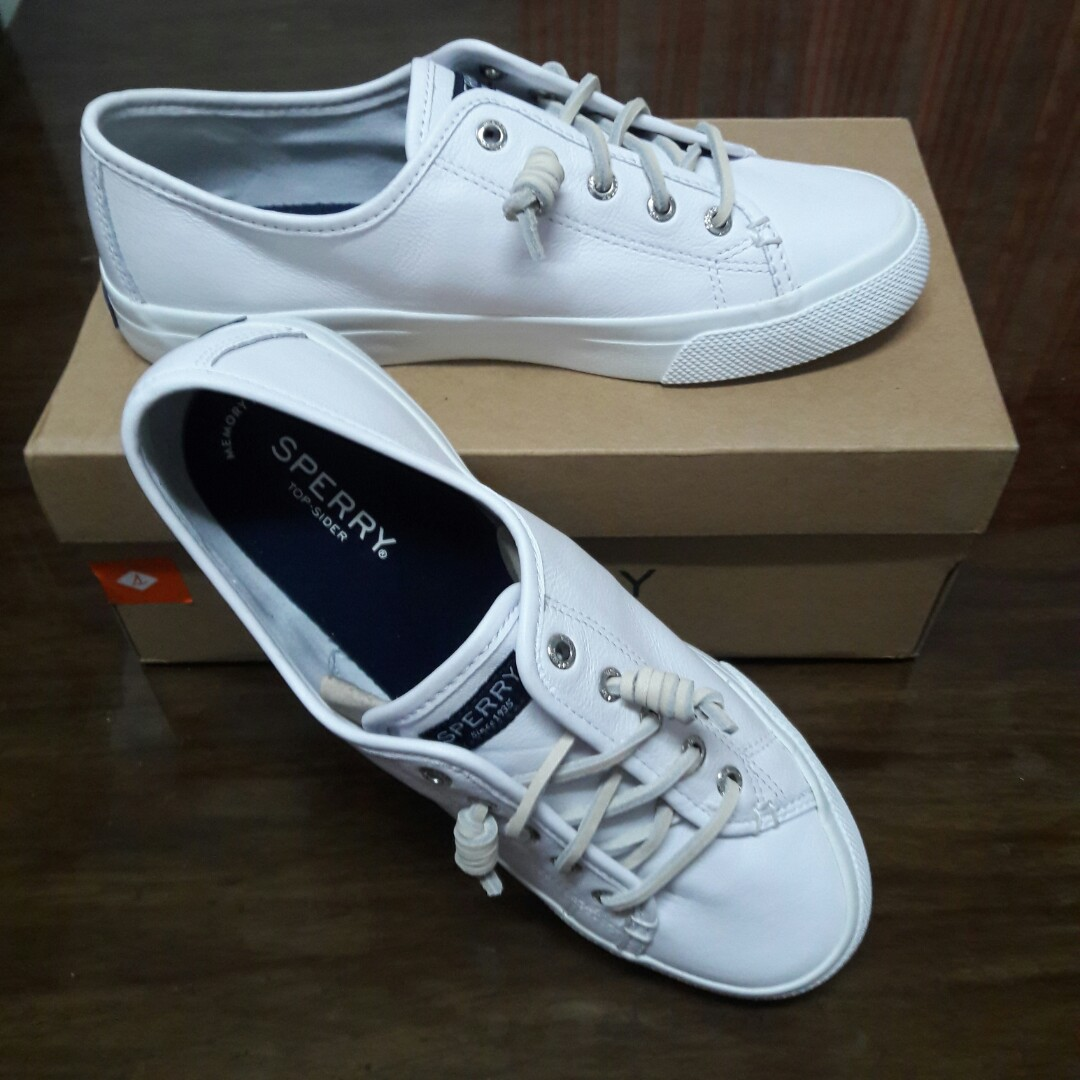 REPRICED!!) Sperry Seacoast Leather