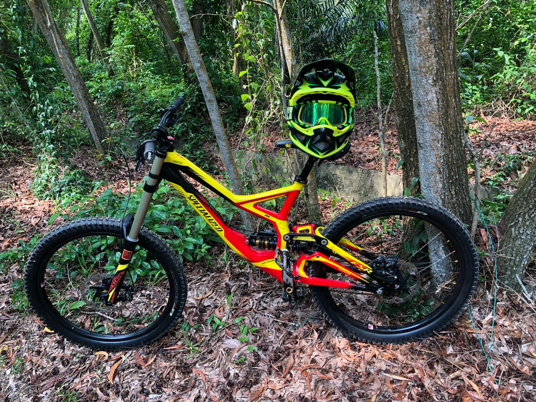 5cae9e470c9 Specialized Demo 8 (Large Frame), Bicycles & PMDs, Bicycles ...