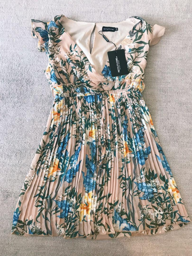 Stunning Prettylittlething Summer dress, NWT Size S/M