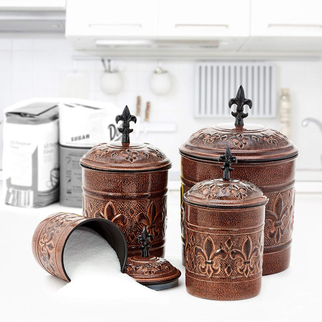Versailles - by OLD DUTCH Original price was $71.00+tax NOW ONLY $40 (missing 4 QT)