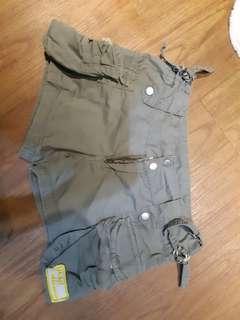 Celana pendek / hot pants mississippi