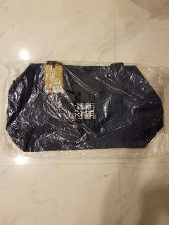 🚚 Herschel Sutton Mid-Volume Duffle Bag (Navy)