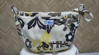 reyns spooner hawaii sling beg,item cun..