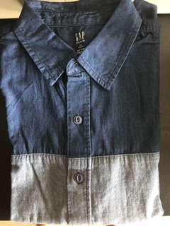GAP Shortsleeve Shirt