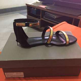 Charles and keith flats sandals