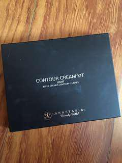 Anastasia Beverly Hills (ABH) Contour Cream Kit - Light