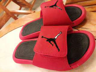 JORDAN HYDRO SLIPPER SELLING ORIGINAL and CLASS A BUT HIGH QUALITY ALSO