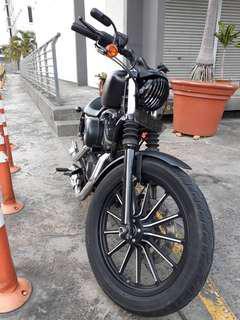 Harley Davidson sportster iron 883, milleage 13k km shj. Loan arrangeable.