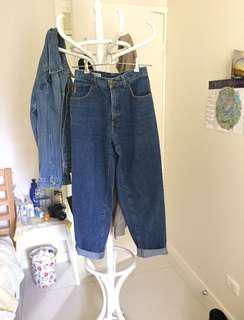 Giorgio Armani Mom Jeans Size 6 highwaisted // redone // Universal Store // Festival Must Have // Princess Polly // Levi's // Beginning Boutique