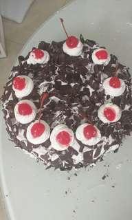 Black Forest cake 20cm, Lapis Surabaya 30x30 dan bolu gulung fresh from the ovem