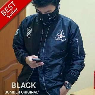 Jacket Bomber Hitam