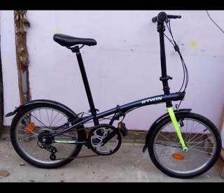 B TWIN Hoptown 320 Foldable bike
