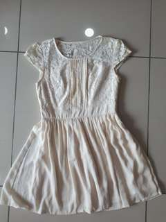 Cute cream lacey bust chiffon dress