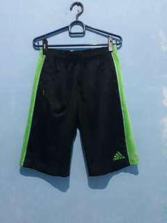 Celana pendek Adidas size M