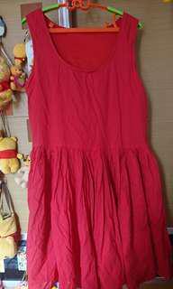 紅色連身裙