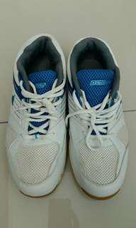 Dunlop sports shoes eur43