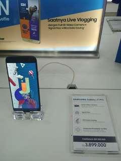 Samsung j7 pro bisa di cicil chasback 200rb proses cepat