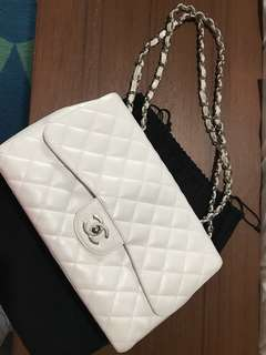 Authentic Chanel Caviar Jumbo flap