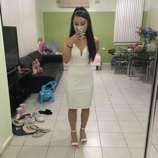 Elegant white bodycon formal dress