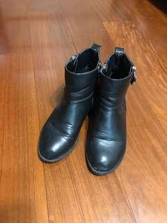 🚚 真皮短靴