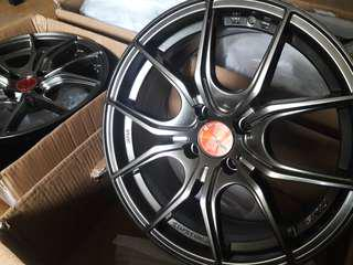 Rays Gramlights 57 Fxx size 16 mags rims wheels