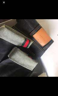 Gucci raw jeans size 30
