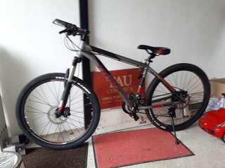 Trinx M600 Mountain bike