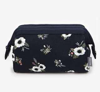 Makeup / Cosmetic Bag (Black Floral)