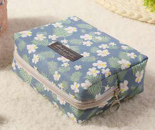 Makeup / Cosmetic Bag (Blue Floral)