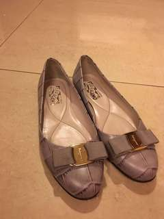 🚚 Ferragamo 紫色娃娃鞋