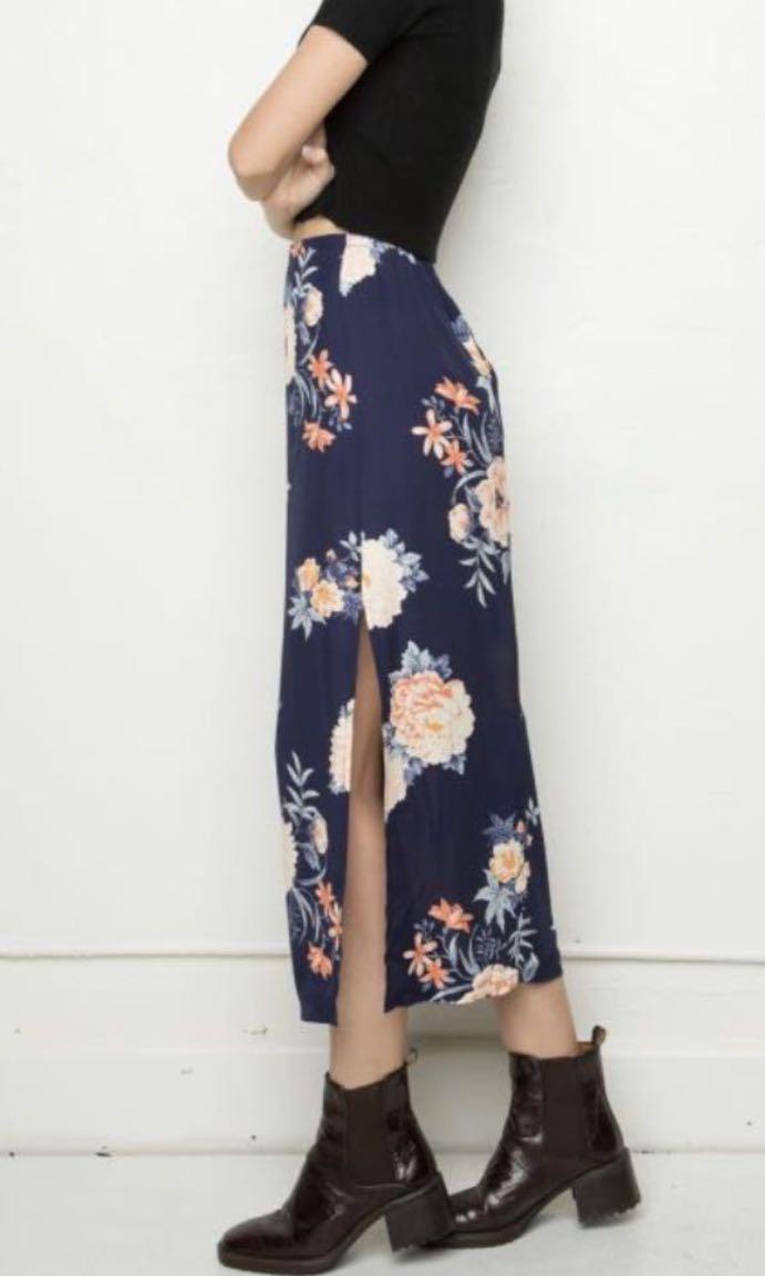 c59d9c43c2 Brandy Melville Patricia Skirt, Women's Fashion, Clothes, Dresses ...