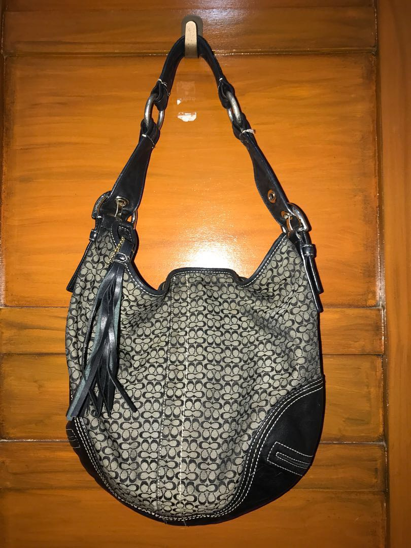 89488f64bcfe ... italy coach signature hobo shoulder bag preloved womens fashion bags  a4284 0c64f
